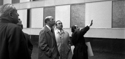 M. Candilis, à droite de la photo