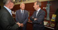 Bernard Dupont et M. Saut en compagnie de Michel Roussin.