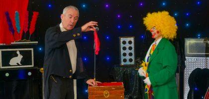 Magicien et clown