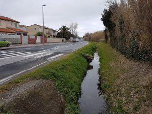 Le ruisseau va être busé pour la piste cyclable